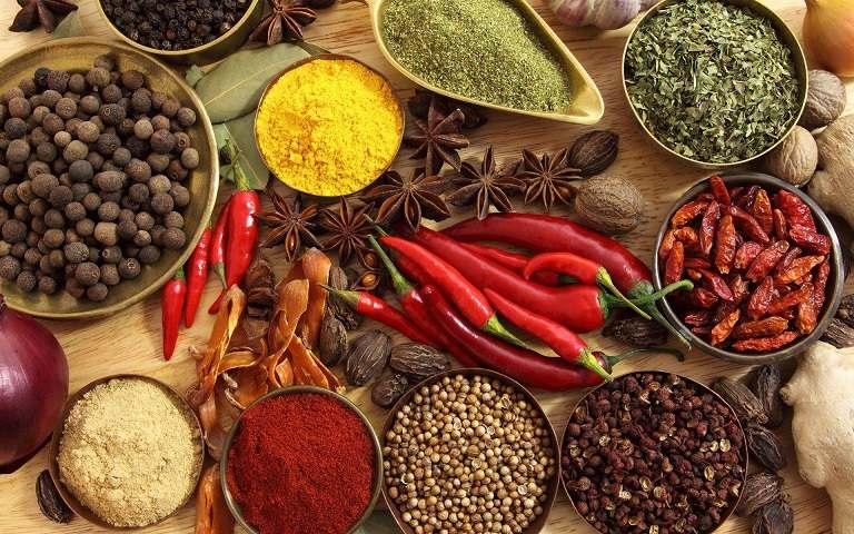 Nói không với đồ ăn cay, nóng khi sử dụng đông trùng