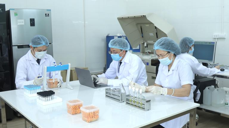 Công nghệ đóng vai trò quan trọng trong hoạt động nuôi cấy đông trùng hạ thảo