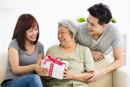 Trọn bộ những món quà tặng mẹ ý nghĩa đong đầy yêu thương