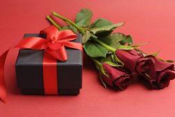 """Điểm danh những món quà tặng mẹ chồng """"cực xịn"""" giúp các nàng dâu ghi điểm"""