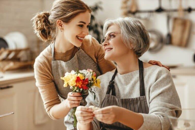 Quà tặng mẹ cho những dịp đặc biệt thể hiện tình cảm của con cái