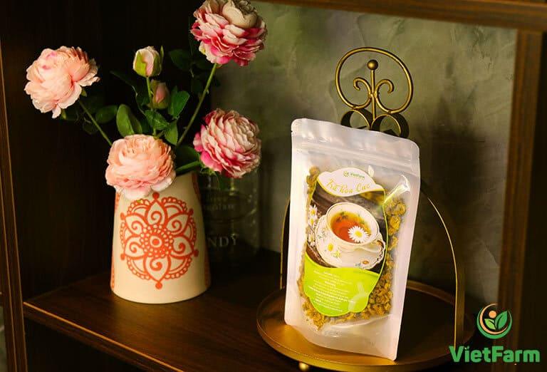 """Trà hoa cúc co thể làm quà tặng riêng lẻ hoặc """"mix"""" cùng với các set quà"""