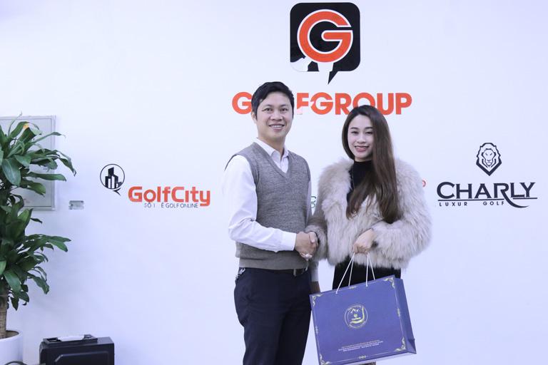 Chủ tịch tập đoàn GolfGroup đánh giá cao các set quà Đông trùng hạ thảo Vietfarm